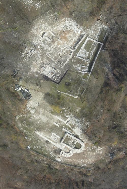 Foto aerea del villaggio di IV - VI secolo d.C. (da drone)Aerial photo by drone of the village, 4th - 6th centuries AD