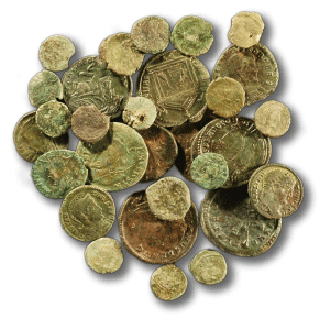 Accumulo di monete in bronzo III - V secolo d.C.Hoard of bronze coins 3rd - 5th centuries AD